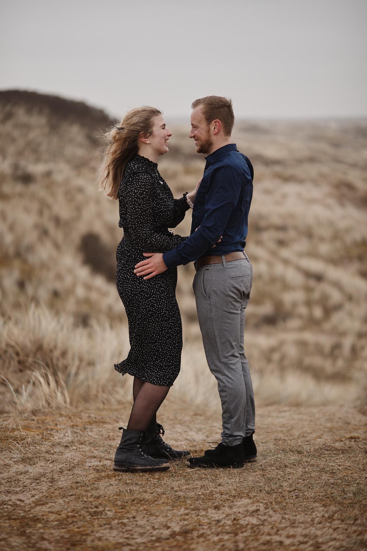 Een love fotoshoot in de duinen van Egmond